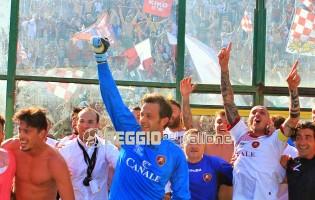 """VIDEO: Scendi in campo con i calciatori per la festa al S.Filippo:""""Ce l'abbiamo fatta!"""""""