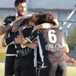 Frattese Reggio Calabria i campani festeggiano il gol