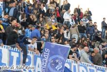 Esulta il Raciti: Carbone-gol e il Siderno vince il derby