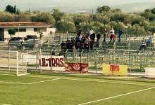 [FOTO]Scordia-Reggio Calabria, gli Ultras amaranto in onore di Gabriele Sandri