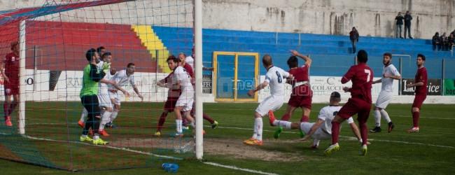 Il derby calabrese di Serie D: il Roccella ospita la lanciatissima Vibonese