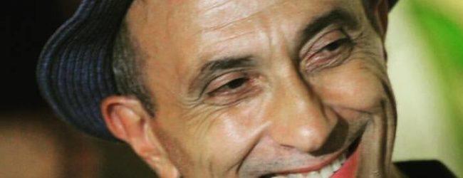 """""""Ho accarezzato con la chitarra l'importanza della vita"""", Alfredo Auspici racconta Aeroplani di Carta a RNP"""