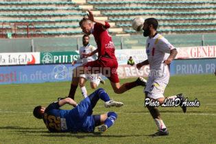 [FOTOGALLERY] Reggina, amaro ko contro la capolista Lecce: sfoglia l'album della gara