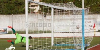 Beffa ReggioMediterranea: non chiude il match e l'Acri strappa il pari