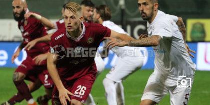 Reggina-Casertana: Kirwan fa tremare la traversa!