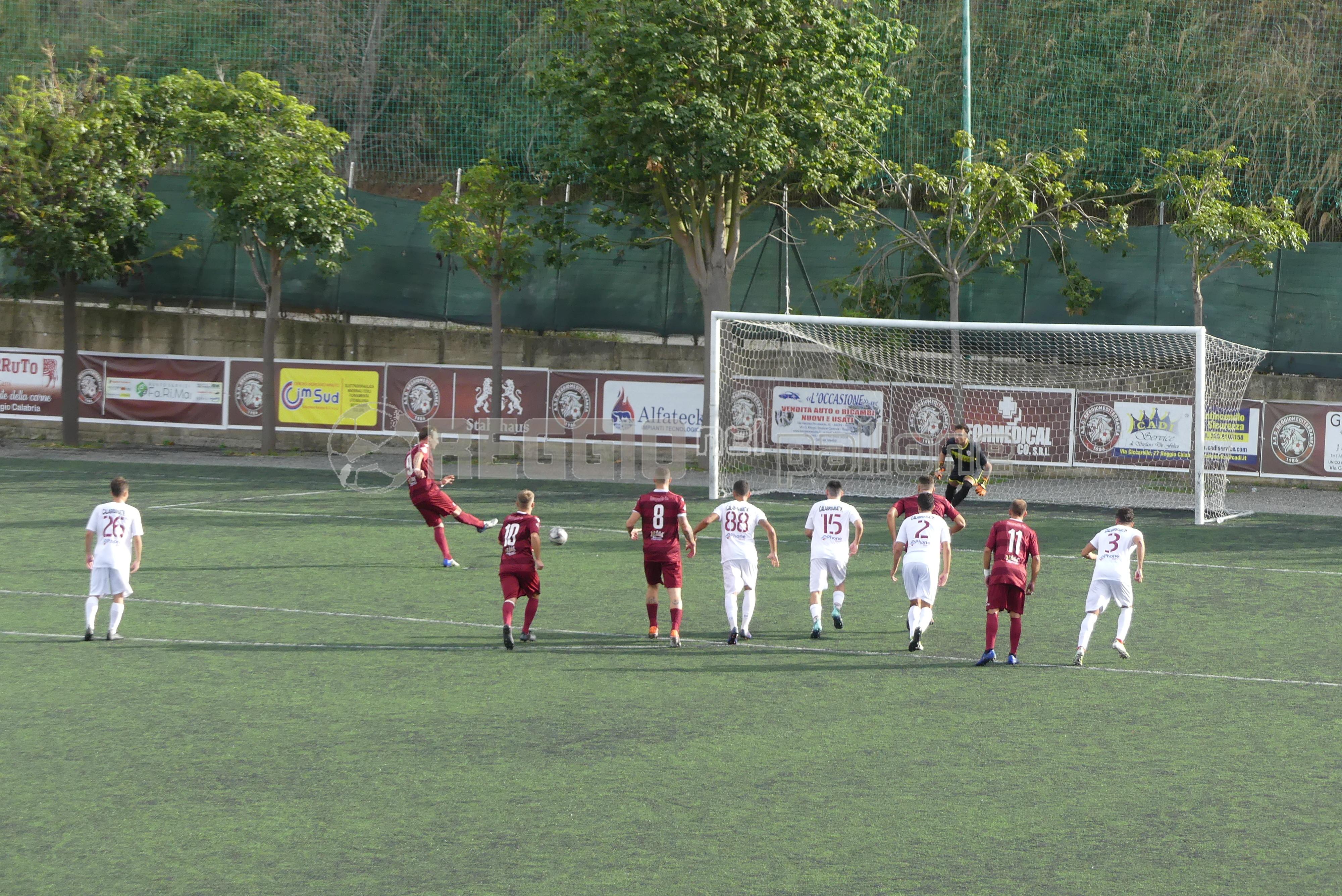 La Reggiomediterranea mette la freccia: Locri battuto 2-1 - Reggio Nel Pallone