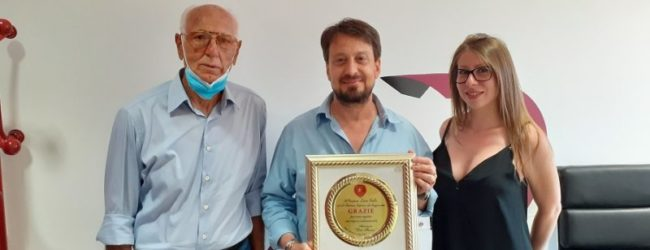 Reggina, l'omaggio dell'associazione Dino Favano al Presidente Gallo ed all'Ad Scipioni