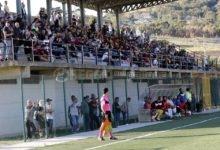Roccella, gioia Carrozza: il giovane calciatore torna a casa