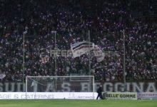 Serie B, tifosi senza mascherina: la Cremonese cambia idea e chiude lo stadio