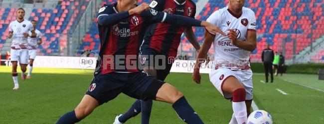 La Reggina sogna per 70 minuti, ma il turno lo passa il Bologna: 2-0 al Dall'Ara
