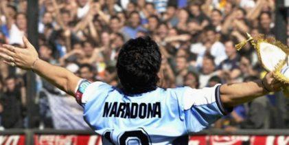 Da Pelè a Cristiano Ronaldo a Messi, il mondo del calcio piange Maradona