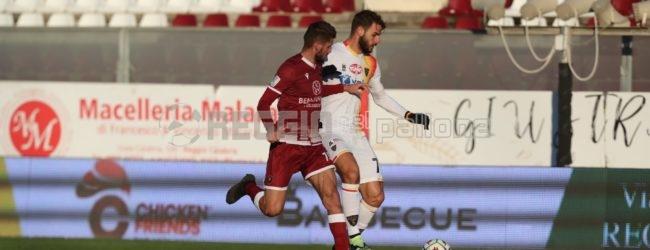 Reggina-Lecce, il tabellino: decide Stepinski, espulso Coda