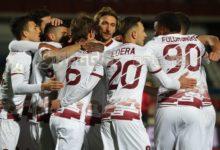 La Reggina spreca il doppio vantaggio: rimonta Cosenza, parità nel derby