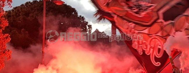 """Reggina, """"senza stadio non c'è vita"""": gli ultras tornano in Curva"""