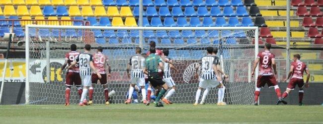 """Reggina-Ascoli 2-2, girandola di emozioni al """"Granillo"""": il tabellino"""